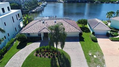 Naples Single Family Home For Sale: 442 Palm Ct