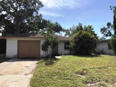 Collier County, Lee County Single Family Home For Sale: 690 105th Ave N