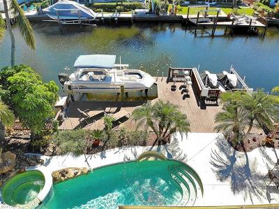 Naples Single Family Home For Sale: 284 Tradewinds Ave