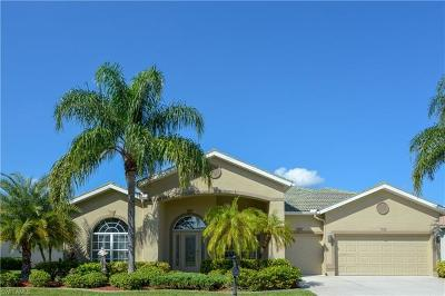 Lehigh Acres Single Family Home For Sale: 2104 Berkley Way