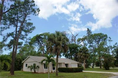 Collier County Single Family Home For Sale: 4312 Mohawk Pl