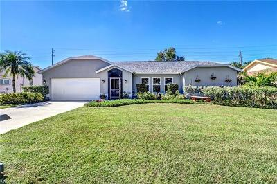 Fort Myers Single Family Home For Sale: 6561 Saint Ives Ct