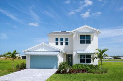 Naples Single Family Home For Sale: 8923 Mustique Ln