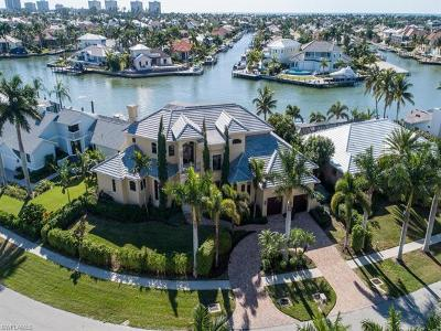 Marco Island Single Family Home For Sale: 689 Rockport Ct