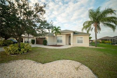 Cape Coral Single Family Home For Sale: 1423 SE 22nd St