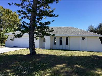 Lee County Single Family Home For Sale: 2111 SE 10th Pl