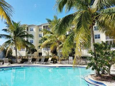 Bonita Springs Condo/Townhouse For Sale: 3901 Kens Way #3207