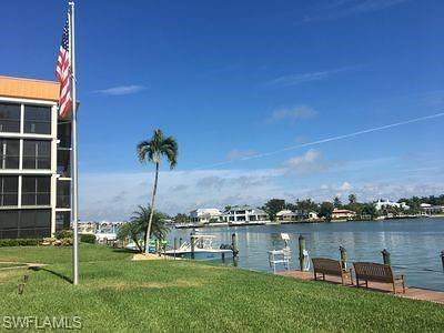 Naples Condo/Townhouse For Sale: 2900 Gulf Shore Blvd N #102