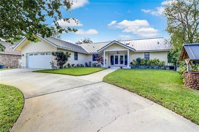 Naples  Single Family Home For Sale: 140 Sharwood Dr