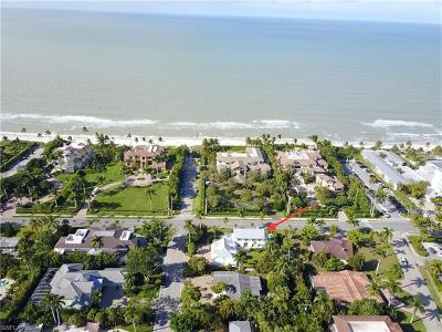 Olde Naples Single Family Home For Sale: 700 Gulf Shore Blvd N