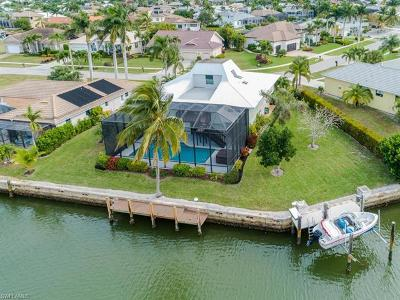 Marco Island Single Family Home For Sale: 351 Henderson Ct