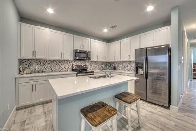 Bonita Springs Single Family Home For Sale: 10021 Bonita Fairways Dr