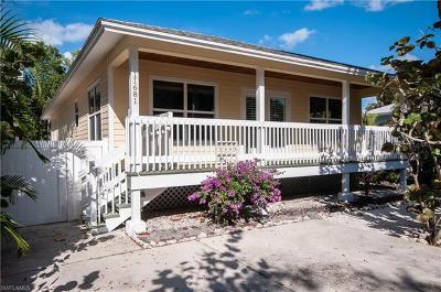 Bonita Springs Single Family Home For Sale: 11681 McKenna Ave