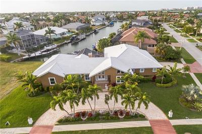 Marco Island Single Family Home For Sale: 652 Crescent St