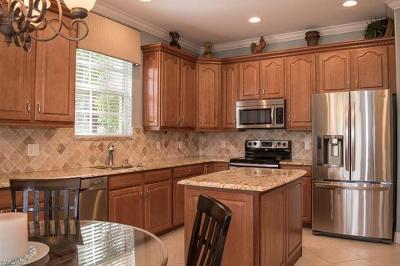 Naples Condo/Townhouse For Sale: 4750 Shinnecock Hills Ct #5-102