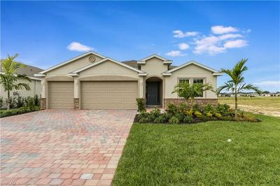 Cape Coral Single Family Home For Sale: 3421 Acapulco Cir