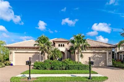 Collier County Condo/Townhouse For Sale: 7484 Moorgate Point Way