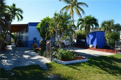 Goodland, Marco Island, Naples, Fort Myers, Lee Mobile/Manufactured For Sale: 652 Palm Ave