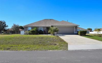 Cape Coral Single Family Home For Sale: 504 NE 1st Pl