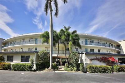 Naples Condo/Townhouse For Sale: 383 Harbour Dr #101