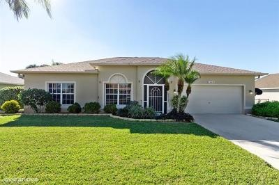 Lehigh Acres Single Family Home For Sale: 4449 Varsity Lakes Dr