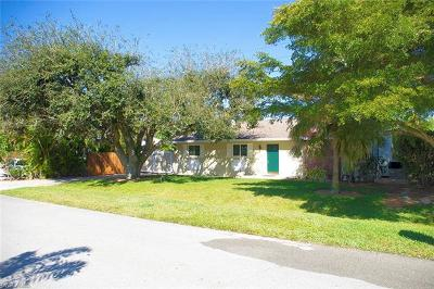 Bonita Springs Single Family Home For Sale: 209 2nd St