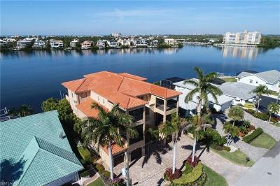 Bonita Shores Single Family Home For Sale: 283 3rd St W