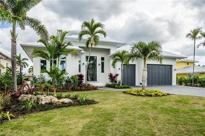 Naples Single Family Home For Sale: 1975 Tarpon Rd
