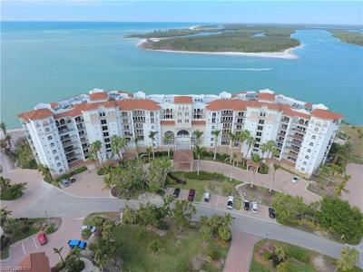 Naples Condo/Townhouse For Sale: 700 La Peninsula Blvd #106
