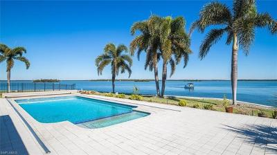 Marco Island Single Family Home Pending With Contingencies: 1475 Butterfield Ct