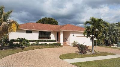 Marco Island Single Family Home For Sale: 65 Tahiti Rd