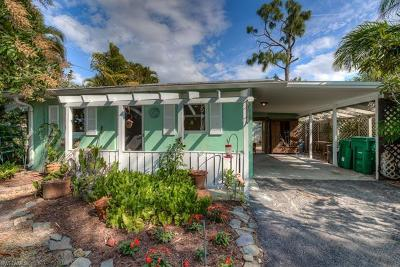 Naples Park Single Family Home For Sale: 9144 7th St N