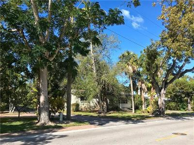 Olde Naples Single Family Home For Sale: 1140 8th St S
