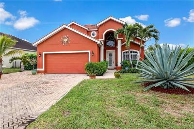 Bonita Springs Single Family Home For Sale: 27329 Jolly Roger Ln