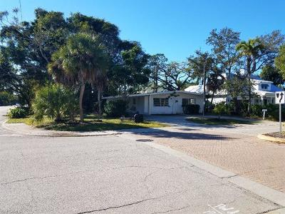 Naples Single Family Home For Sale: 788 7th Ave N