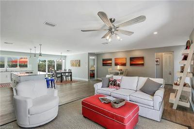 Marco Island Single Family Home For Sale: 385 Century Dr