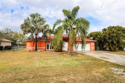 Cape Coral Single Family Home For Sale: 1703 SE 8th St