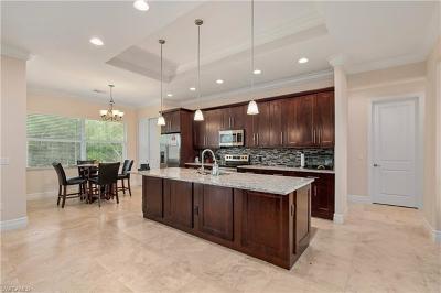 Single Family Home For Sale: 18067 Royal Hammock Blvd