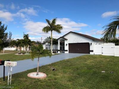 Cape Coral Single Family Home For Sale: 2705 SW 11th Ct