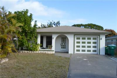 Naples Single Family Home For Sale: 675 94th Ave N