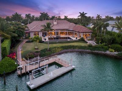 Sarasota, Naples Single Family Home For Sale: 3801 Fort Charles Dr