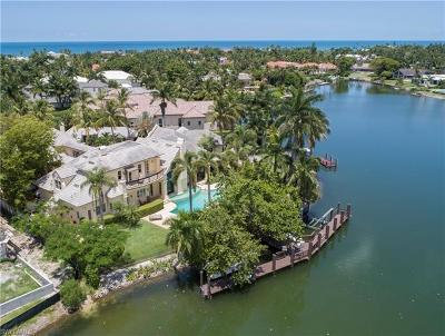 Bonita Springs, Cape Coral, Estero, Fort Myers, Fort Myers Beach, Marco Island, Naples, Sanibel, Captiva Single Family Home For Sale: 3275 Green Dolphin Ln