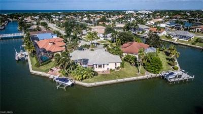Marco Island Single Family Home For Sale: 431 Henderson Ct