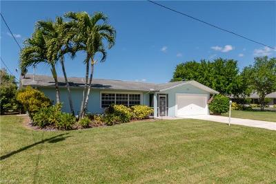 Cape Coral Single Family Home For Sale: 3202 SE 19th Pl