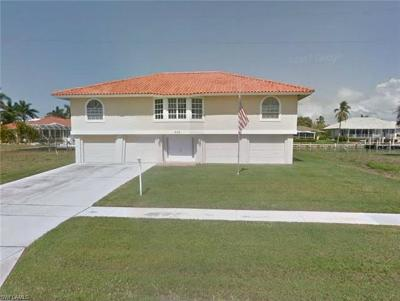 Marco Island Single Family Home Pending With Contingencies: 675 Pelican Ct
