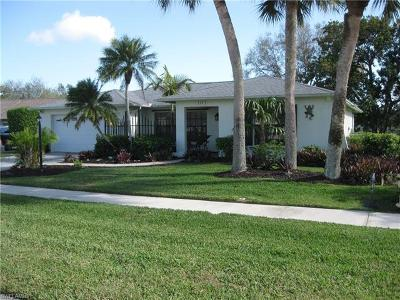 Naples Single Family Home For Sale: 112 Champagne Ct