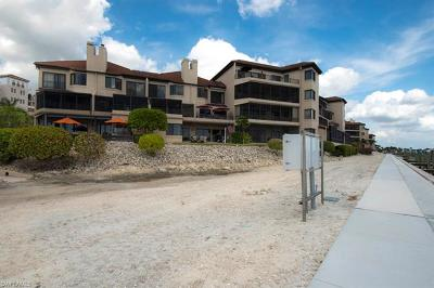 Collier County Condo/Townhouse For Sale: 410 La Peninsula Blvd #410
