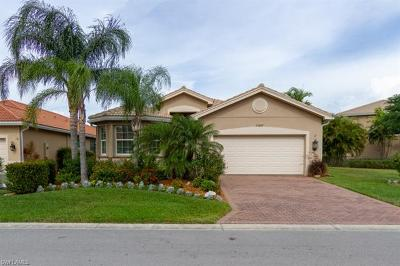 Fort Myers Single Family Home For Sale: 11215 Yellow Poplar Dr