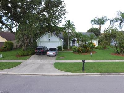 Naples Single Family Home For Sale: 139 Plantation Cir