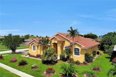 Marco Island Single Family Home For Sale: 1286 Bayport Ave